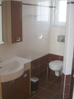 Bathroom first floor