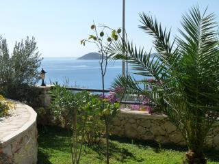 Large 2 Bed, 2 Bath Apartment with Seaviews slps 6, Kalkan