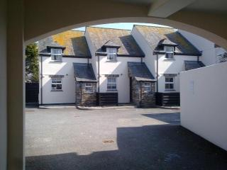 2-bed cottages with parking in Padstow town centre