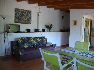 Salón - Sofa-cama - TV - Radio con CD-Player