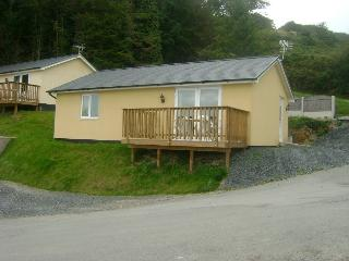 2 Bedroom Bungalow, Bungalow number 2, sleeps up to 5 persons, Pet Friendly
