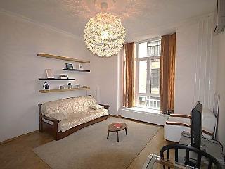 Gnezdnikovskiy (616) Apartment, Moscow