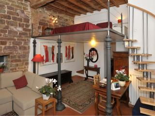 Cool and comfortable 1 bedroom Florence flat in convenient location, Florencia