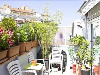 Atico Con Terraza , Wifi, Sol, Centrico Y Tranquilo, Barcelona