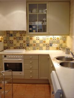 Separated fully equipped kitchen