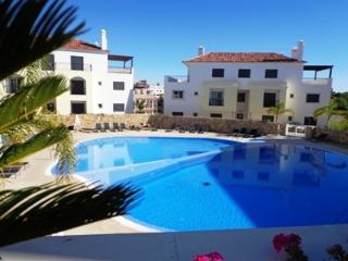 CASA VITA - Lovely Apartment with Pool & WIFI, Cabanas