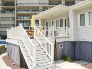Ocean Front Luxury-N OCMD-Big Deck Steps to Beach