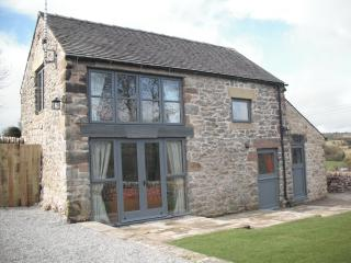 Spinney Farm Cottage - fantastic views - idyllic location- meet the alpacas!