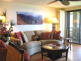 Princeville Condo w/ Ocean Views & Pool Access