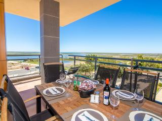 Corner apartment OCEAN VIEWin Village Marina, OLHAO: 180º uninterrupted sea view