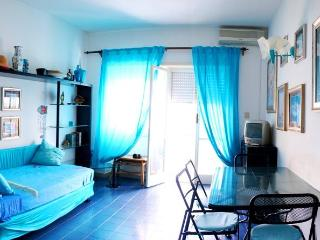 Turquoise sea view apartment with ample terrace!, Terracina