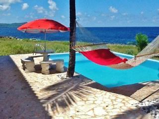 Oceanfront 5 Bedroom home.Pool.Semi-Private Beach., Las Galeras