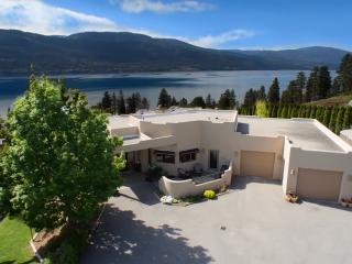 Casa del Sol-3 bedroom 3 1/2 bath, private heated pool, hot tub, cabana.