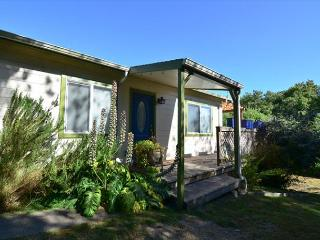 Fernbridge House - Cute Bungalow just outside Victorian Village of Ferndale, Loleta
