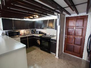 Entrance & kitchen area