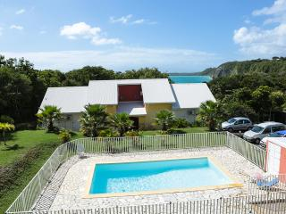 lovely duplex with pool to 3 minutes to walk to beaches, Le Gosier