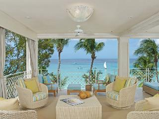 4 bedroom beach from apartment, Paynes Bay