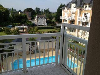 Sunny Bright Condo With Pool, Close To The Ocean, Dinard
