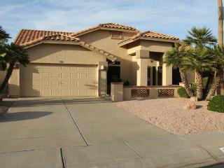 Beautiful Westbrook Village Home with Private Pool, Peoria