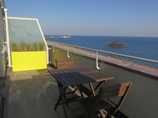 Seafront Penthouse With Private Sun Terrace, Brighton