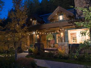 Silvertip Luxury Estate Compound-5 Cabins/2 acres, Ketchum