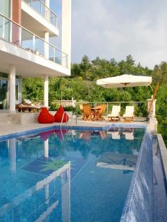 Villa Jasmine infinity pool