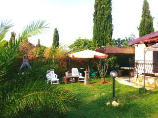 Casa Paradise-Cinque Terre  con giardino vicino spiagge.garden house near beach, Bocca di Magra