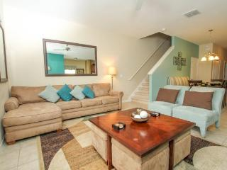 8950COCO. Beautiful 5 Bedroom 4 Bath Town Home In Paradise Palms Sleeps 13