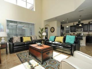5 Bedroom 5 Bath Pool Home Sleeps 12 & Near Disney. 8928BPR, Orlando
