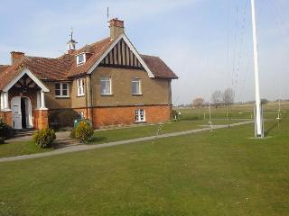 Lovely Annexe, peaceful location, near to sea