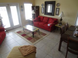 Gorgeous, Pet-Friendly 4 Bedroom with Beautiful Views!, Panama City Beach