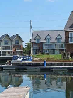 Yachtsman's Rest and adjacent mooring - please ask for details if mooring requried
