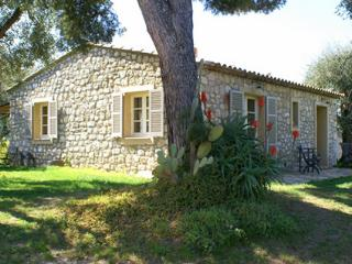 JdV Holidays Maison Fleurie, charachter country house with private pool & hammam