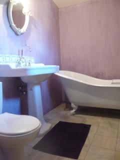 Independant family bathroom