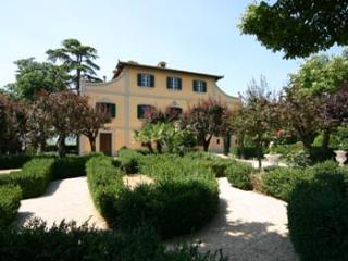 Tuscany Villa in  Argiano near Montepulciano B&B  1 Room,  swimming pool, wifi