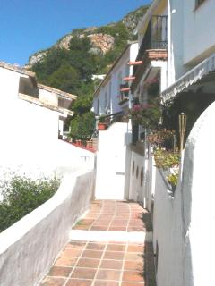 A very friendly and quaint community with a mix of Spanish and English neighbours.
