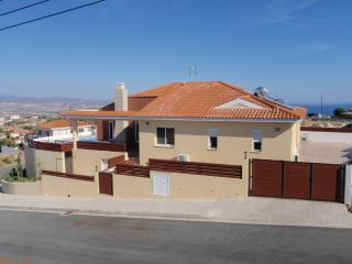 *TOP VIEW VILLA* HOT TUB -P/POOL-UK TV-PANORAMIC VIEWS-NOT OVERLOOKED-FREE WiFi.