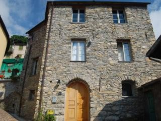 Casa Cavour, Rezzo