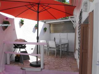2 bed, garden, WiFi in Quillan