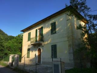 Hilltop Tuscan Villa