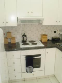fully equipped kitchen - hob & oven, large fridge freezer, all well fitted