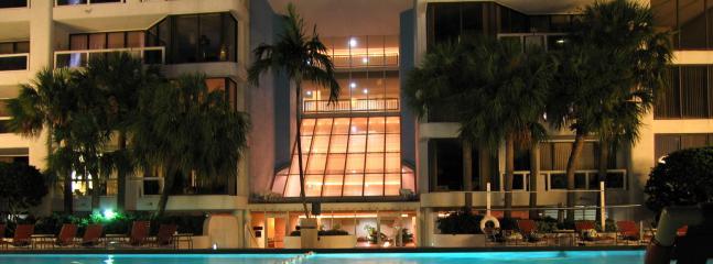 Olympische grootte verwarmd zwembad. 4 hot tub spa
