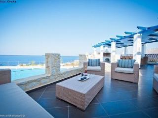 Delphini Luxury Villa