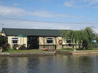 LITTLE HOUSE ON THE RIVER, Potter Heigham