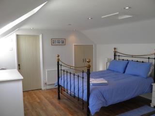 Bedroom with new kingsize Feather & Black bed