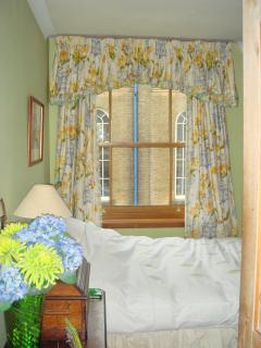 Bedroom 2 : Double + Single