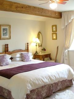 Meadow`s Edge -Spacious ensuite bedroom with stunning views to Levisham Moor