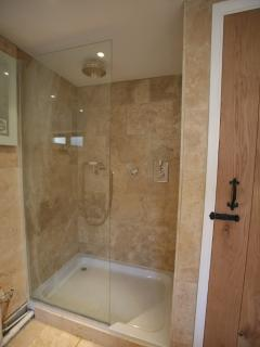 master bedroom en-suite shower