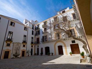 Palazzo Lungarini Piano Nobile