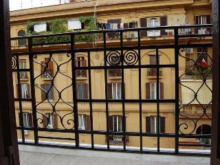 Vatican Comfortable Sunny Apartment